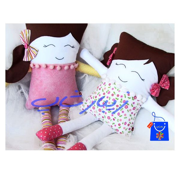 کوسن عروسک