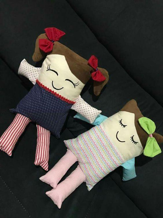کوسن عروسکی